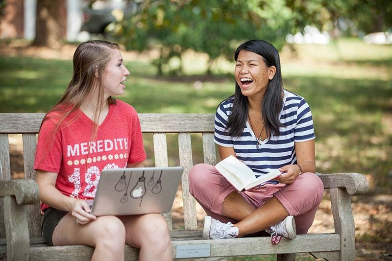 What Are The Benefits Of Living On-Campus?